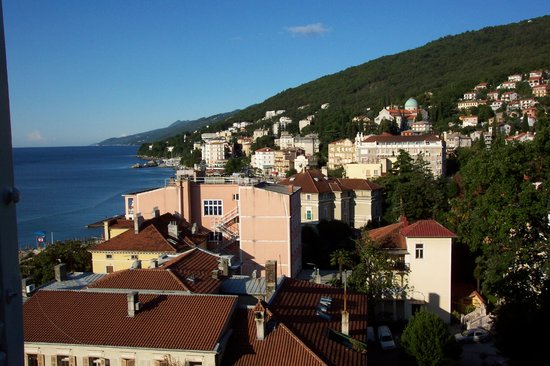 Opatija, Kroatien: View from Family room