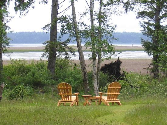 Westport Bayside Bed &amp; Breakfast: Beautiful spot next to the house