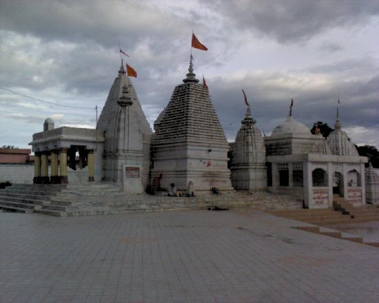 Madhya Pradesh, Indien: The Narmada Mandir in Amarkantak