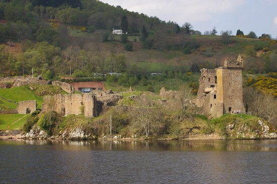 Aslaich Bed & Breakfast: URQUART CASTLE. LOCH NESS.