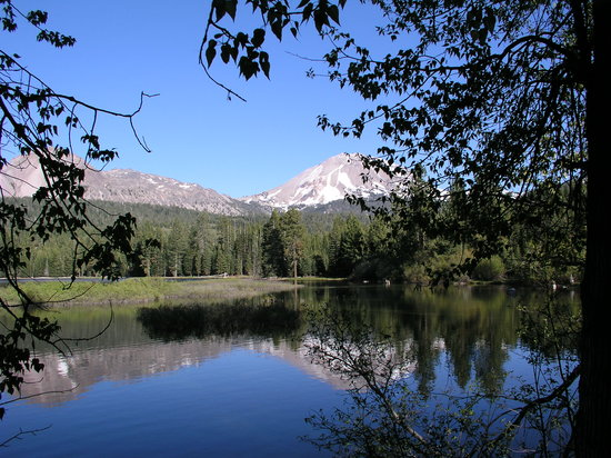 Lassen Volcanic Nationalpark, Kalifornien: Manzanita Lake  and Mt. Lassen