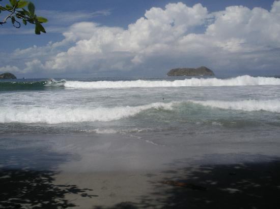 Arenas del Mar Beachfront and Rainforest Resort, Manuel Antonio, Costa Rica: Playa Espadilla