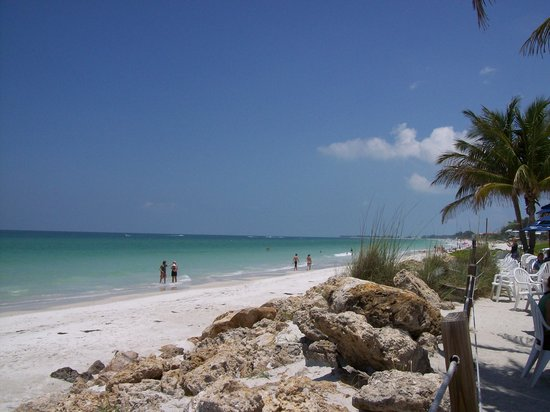 Bradenton, Флорида: Beach about 10 minutes drive from villas