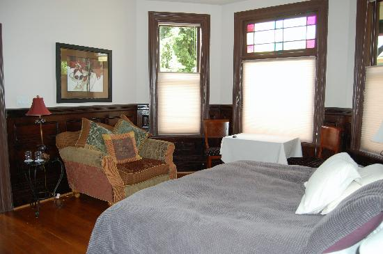 Ambrosia Historic Bed & Breakfast Retreat: Ambrosia bedroom