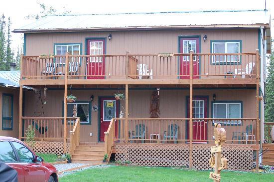 A Mooseberry Inn B&B: Enjoy peace & quiet from your deck!