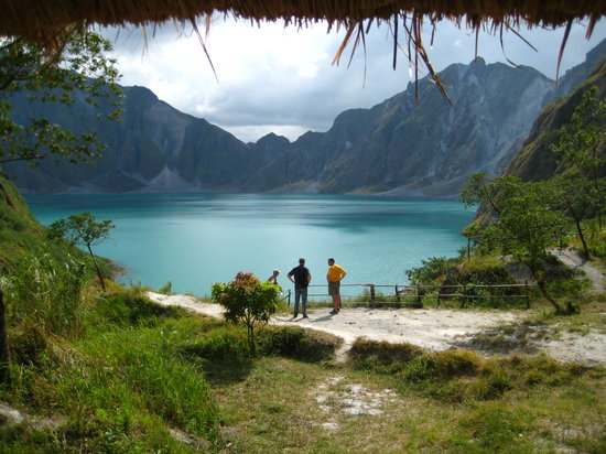Luzon, Φιλιππίνες: breathtaking view of the lake