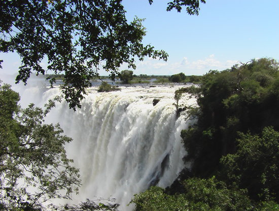 Livingstone, Zambia: Vic Falls (After rain season)