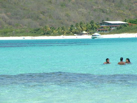 Flamenco beach how to get there
