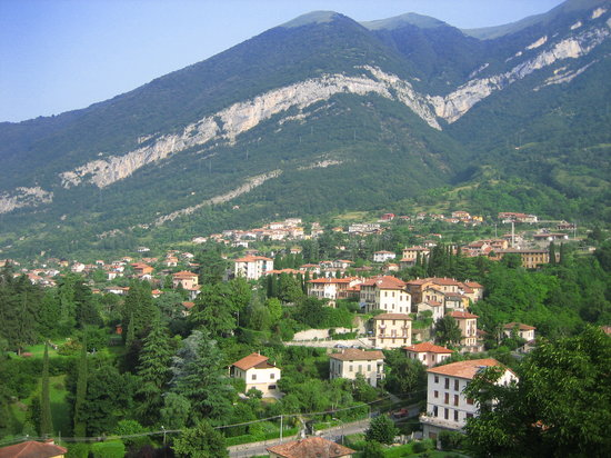 Tremezzo, Italy - view into the mountains - gorgeous!