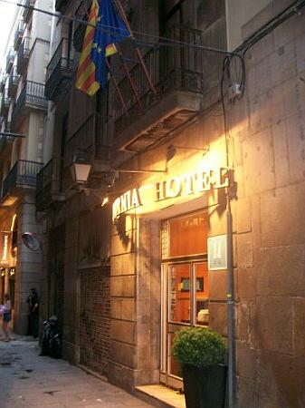 Exterior Of Hotel Picture Of Hotel California Barcelona Tripadvisor