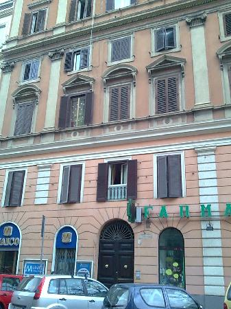 Hotel Sallustio: the actual building where our room was