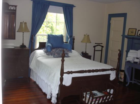 Photo of Wolfpit Bed and Breakfast Louisburg