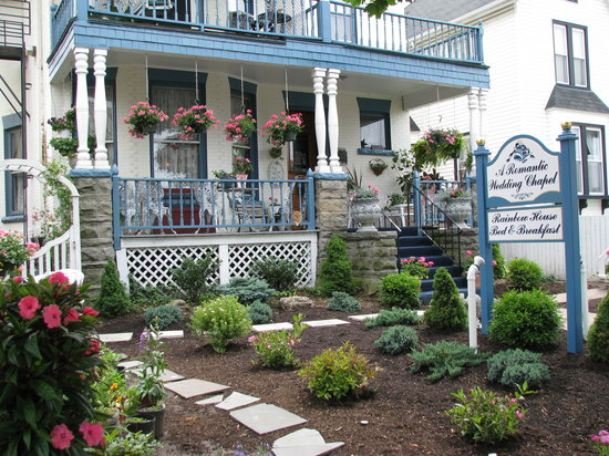 Rainbow House Bed and Breakfast and Wedding Chapel