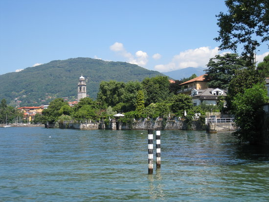 Verbania, Italia: View from hotel garden