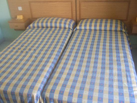 Hostal Nuevo Colon : Double bed