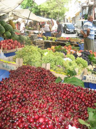 Sultanahmet District: Fruits