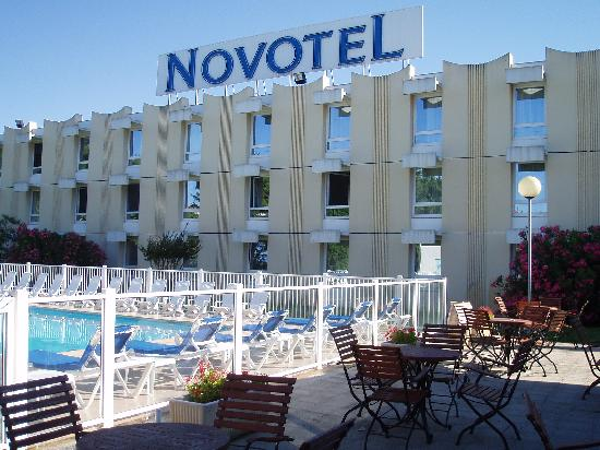 301 moved permanently for Appart hotel narbonne