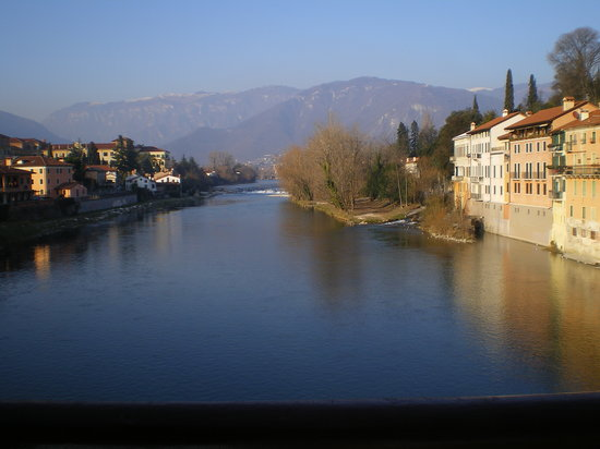 Bassano Del Grappa, Italien: view from bridge ponte vecchio