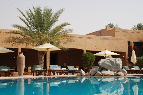 Al Maha Desert Resort: main pool area