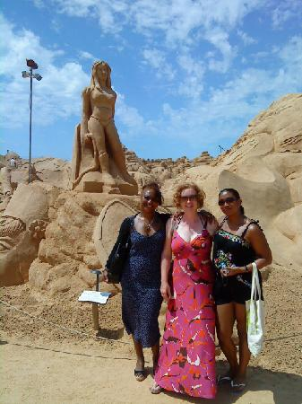 Velamar Hotel: Me and the Girls in front of Wonder Woman