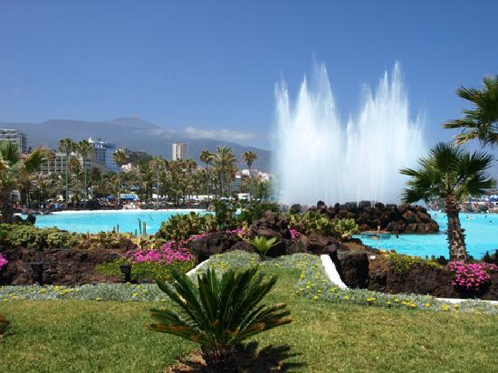 Lago martianez a great place for r r after the fiesta - Piscine martianez tenerife ...