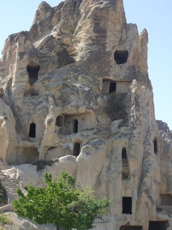 ‪كابادوكيا, تركيا: Cappadocia outside of cave church‬