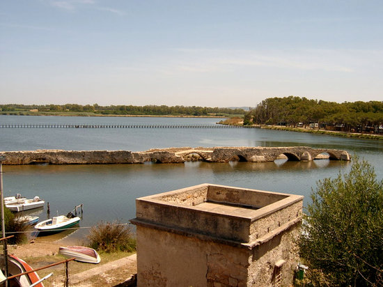 Algero, İtalya: Fertillia, Old sinking bridge, Sardinia