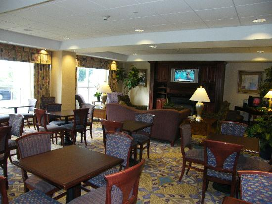 Hampton Inn Ithaca: Hampton Inn Lobby