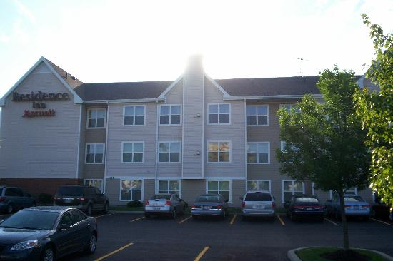 Residence Inn Buffalo Cheektowaga : exterior of hotel 