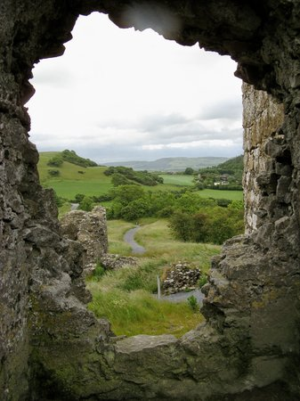 Portlaoise, Irlande : view of the countryside from the Rock of Dunamase