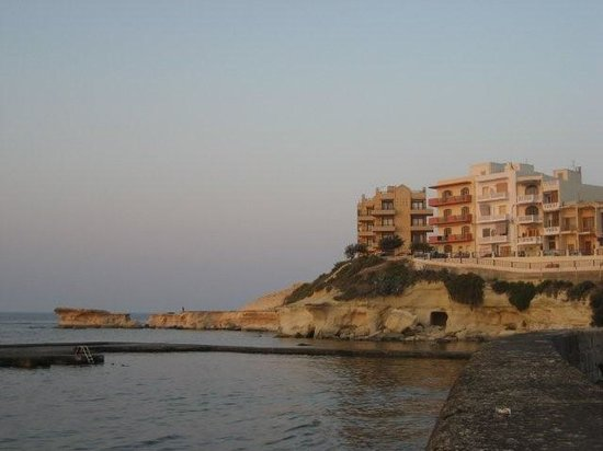 Island of Gozo, Malta: Marsalforn, view straight over the bay (Calypso on the other side)