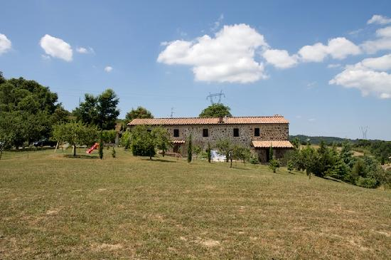 Podere Pagliaore: Pagliaore viewed from garden