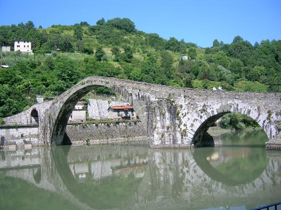 Bagni Di Lucca, Italien: the devil's bridge