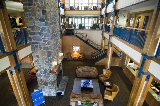 Dover, VT : Grand Summit Hotel Lobby from second floor 