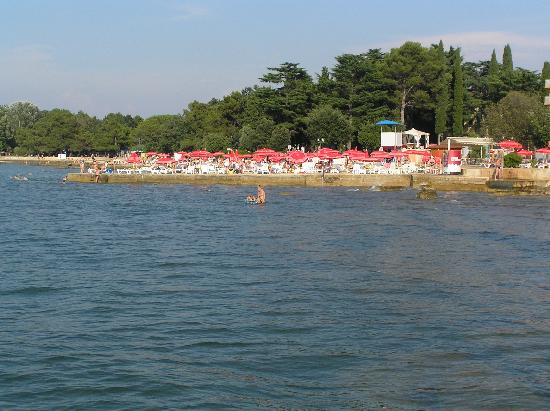 Umag, Croacia: Sea area of hotel