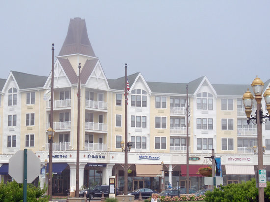 ‪‪Ocean Place Resort & Spa‬: Pier Village‬