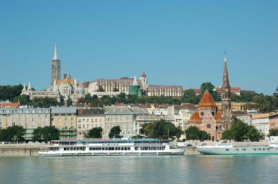 From Pest Side Of Danube Looking Back Towards Hilton Hotel Picture Of Hilton Budapest Castle