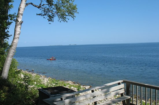 Sister Bay, WI: Water's edge at bottom of trail