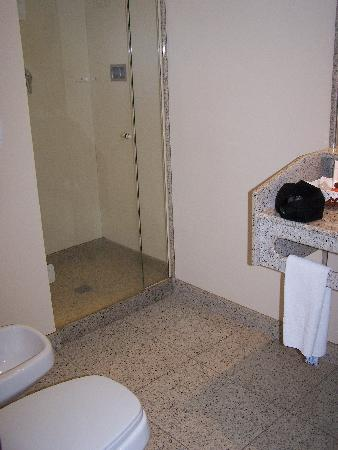 Windsor Plaza Copacabana Hotel: Bathroom