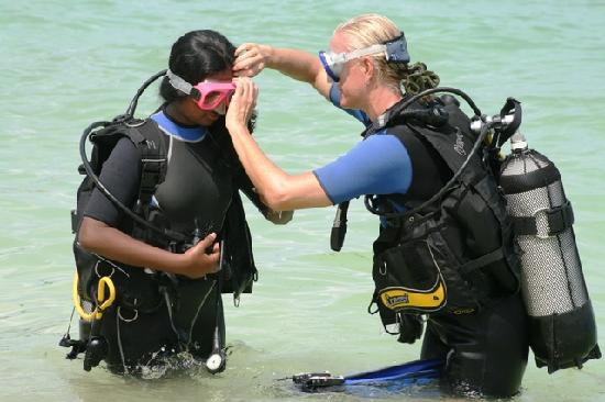 Lakshadweep, India: Scuba diving lessons for my daughter