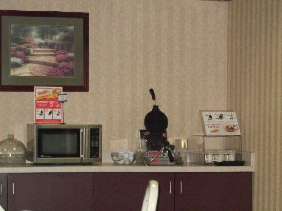 Comfort Inn & Suites Dayton: Breakfast Ranks Number 2 in our 5 Comfort Inn Stay in Several Different States