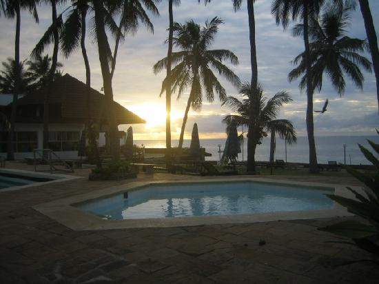 Kenya Bay Beach Hotel: Stunning Views
