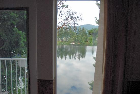 Whitehouse on Long Lake Bed and Breakfast: Vue du balcon