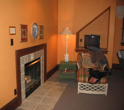 Applewood Inn: Sitting area.