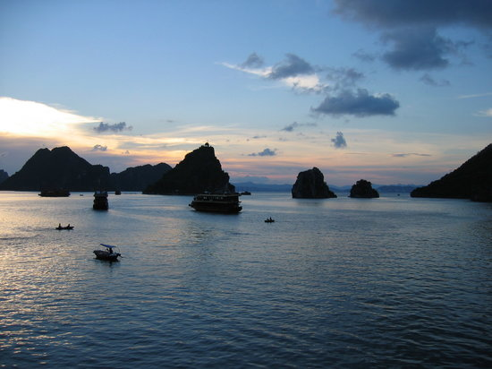 Haiphong, Vietnam: Sunset inHa Long Bay