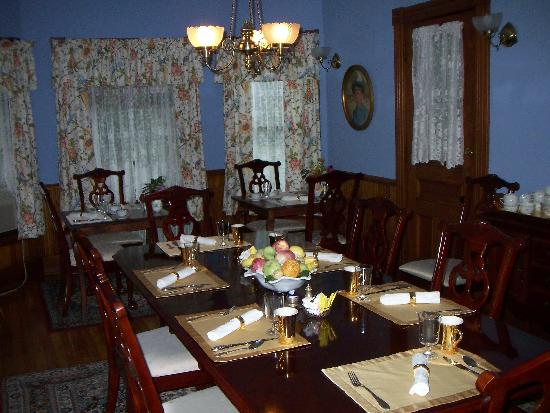 Sinclair Inn: dining room