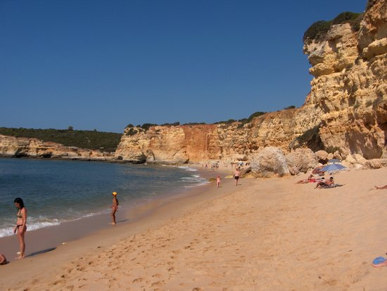 Porches, Portugal : plage N. S. da Rocha