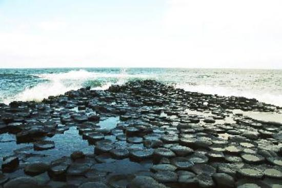 Rising tide at Giant's Causeway