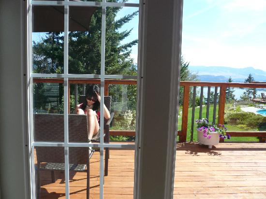 A Grand View Bed and Breakfast: reading in our deck