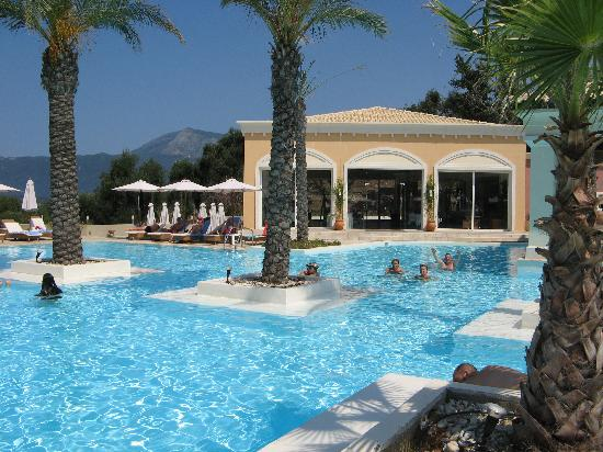 Grecotel Eva Palace: The swimming pool